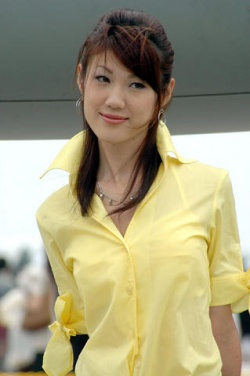 Some Buddhists like to wear yellow or white, although it is not a requirement